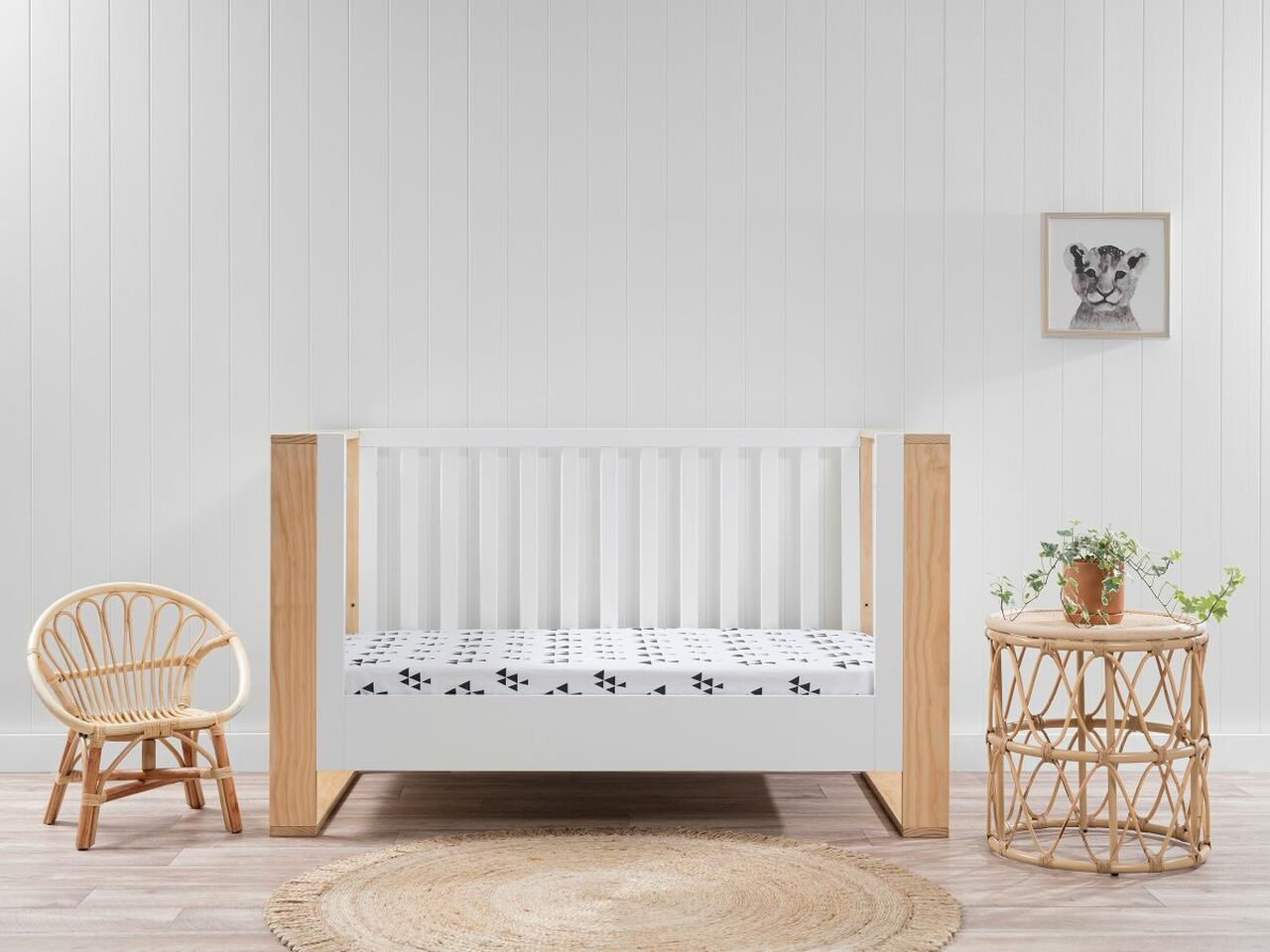 mocka boston cot with toddler conversion in nursery