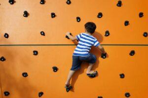 freestanding-climbing-wall